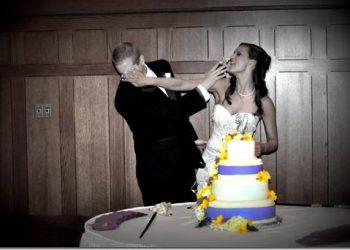 Contemporary Twist Wedding Cake