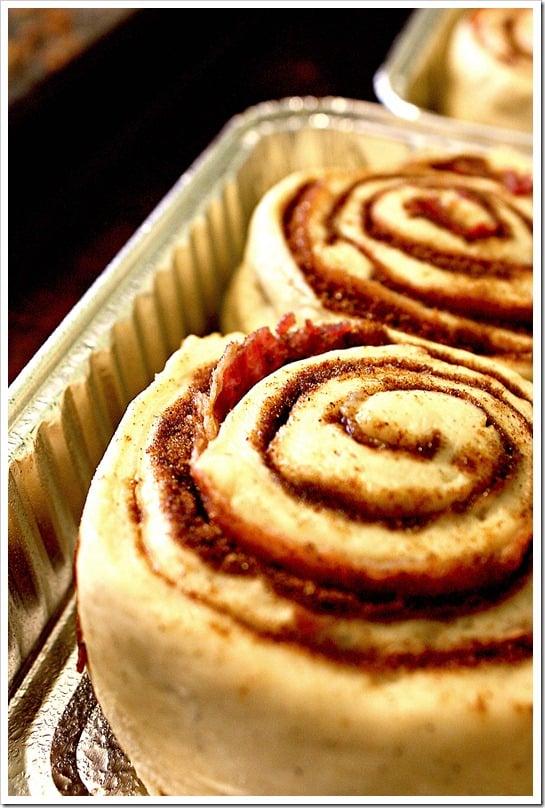 bacon-cinnamon-rolls-2