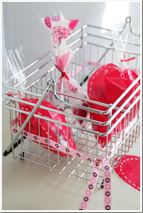 Quick Valentine Caddy – DoughMessTic.com