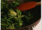 Teriyaki Sesame Steamed Broccoli and a ManPans Giveaway!