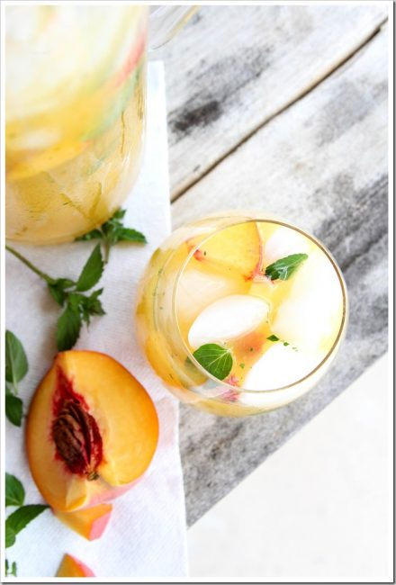 peach-cream-sangria
