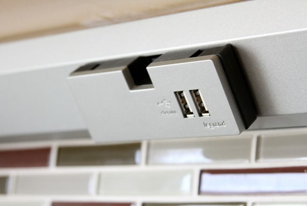 under-cabinet-lighting-adorne-usb